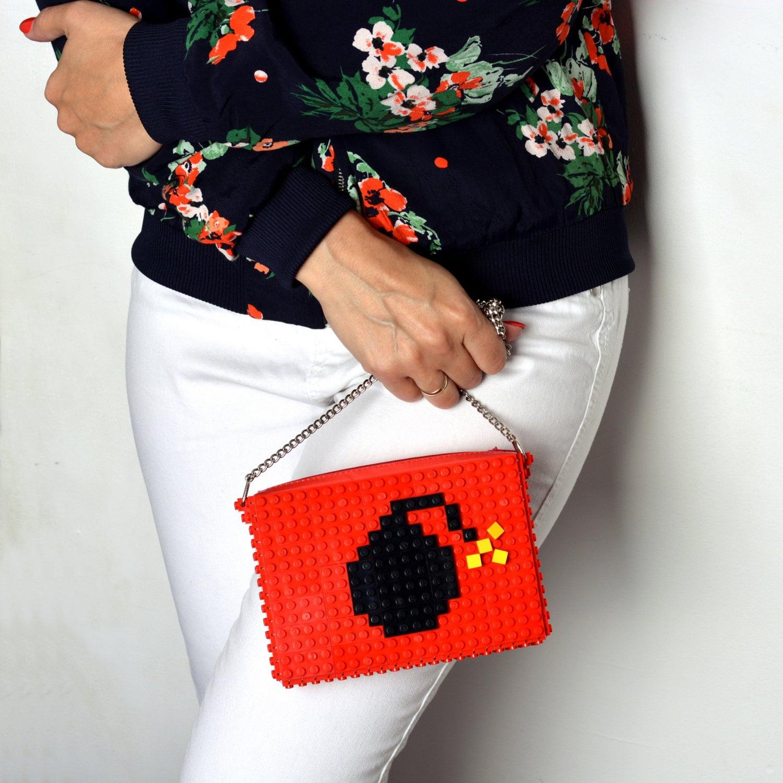 LEGOを使ったPOPなハンドバッグ