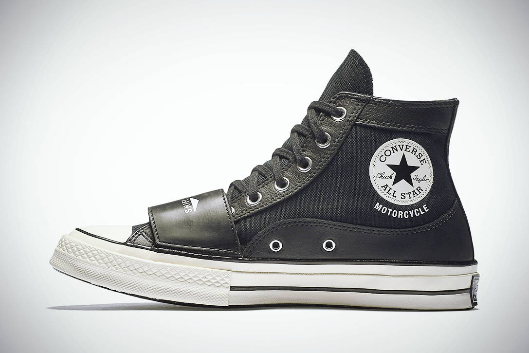 MOTORCYCLE CHUCKTAYLOR 01