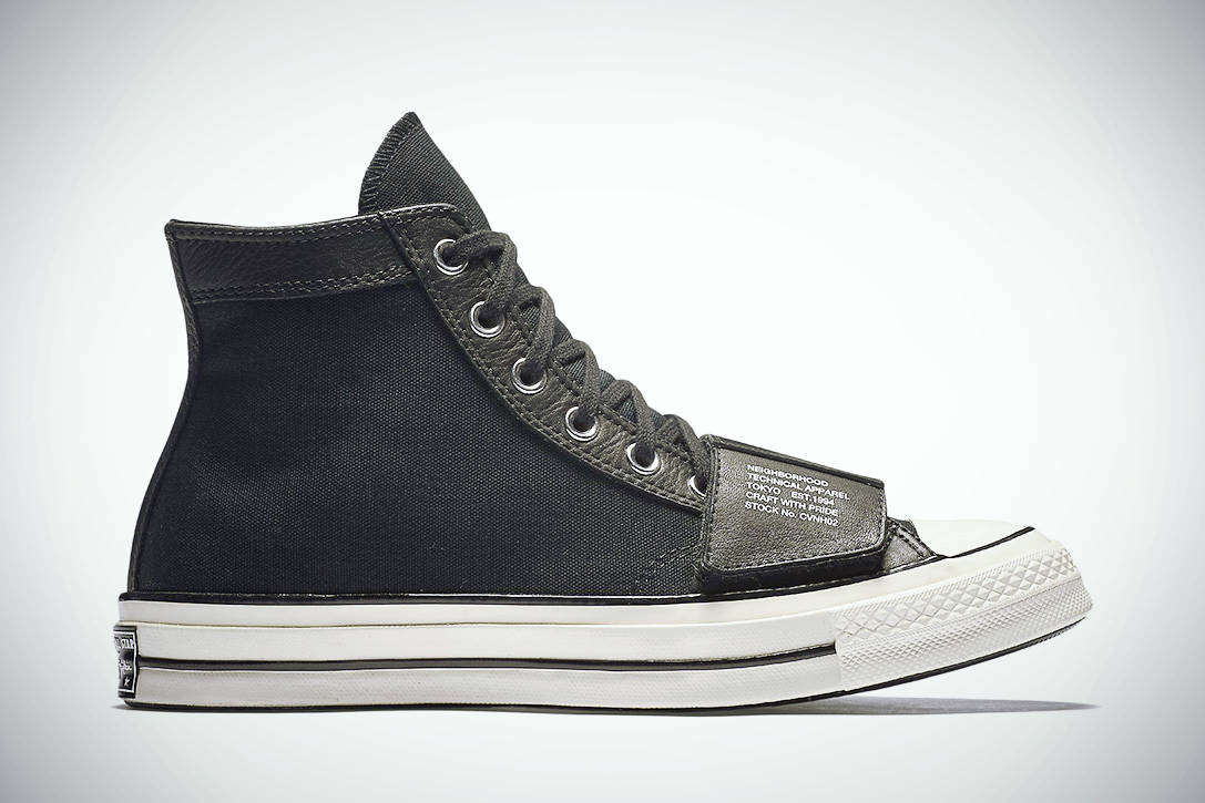 MOTORCYCLE CHUCKTAYLOR 02