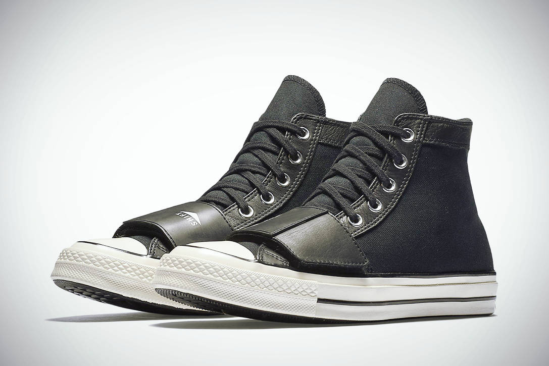MOTORCYCLE CHUCKTAYLOR 03