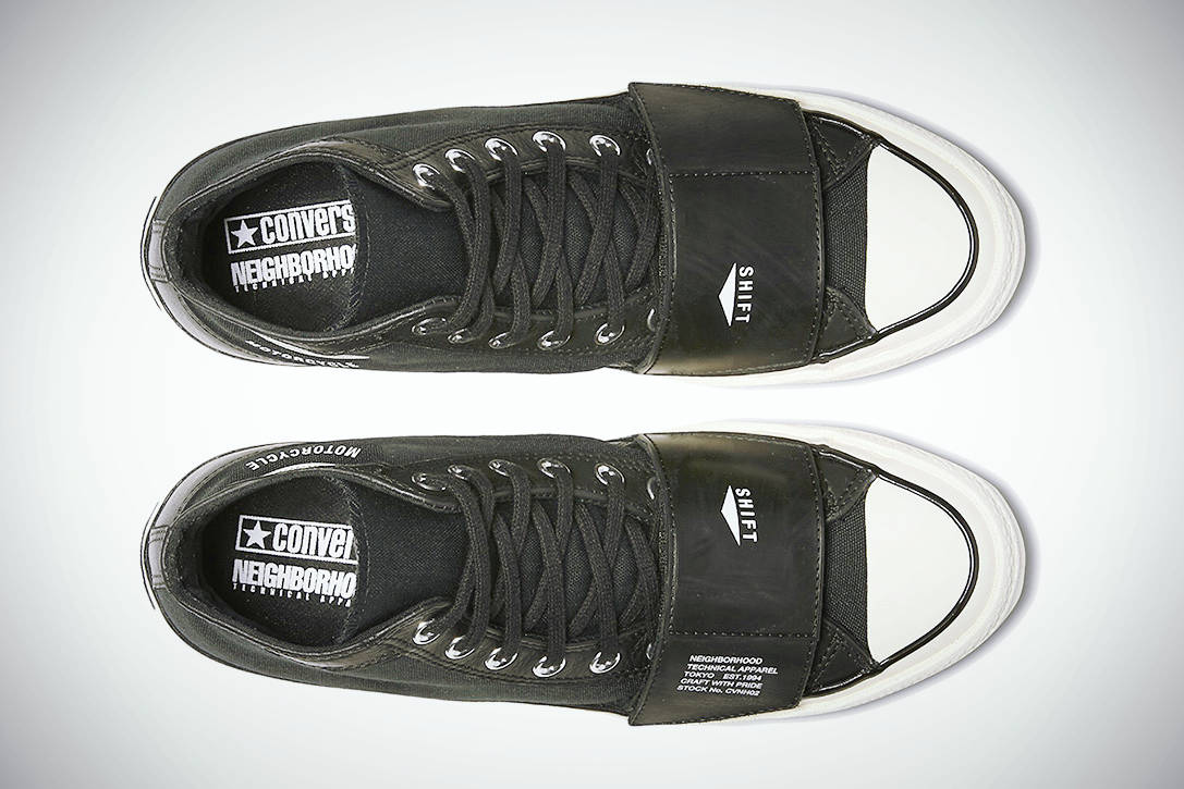 MOTORCYCLE CHUCKTAYLOR 05
