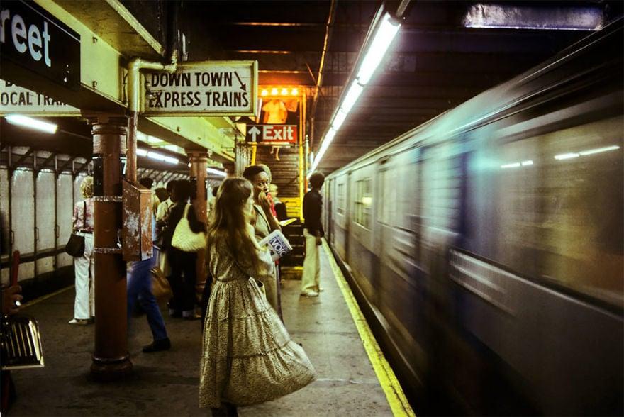 治安最悪だった70年代〜80年代のニューヨークの地下鉄の写真