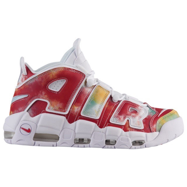 Foot LockerのNike Air More Uptempo 96