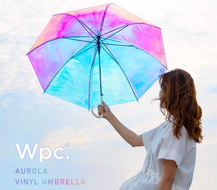 影までオーロラになるビニール傘が人気