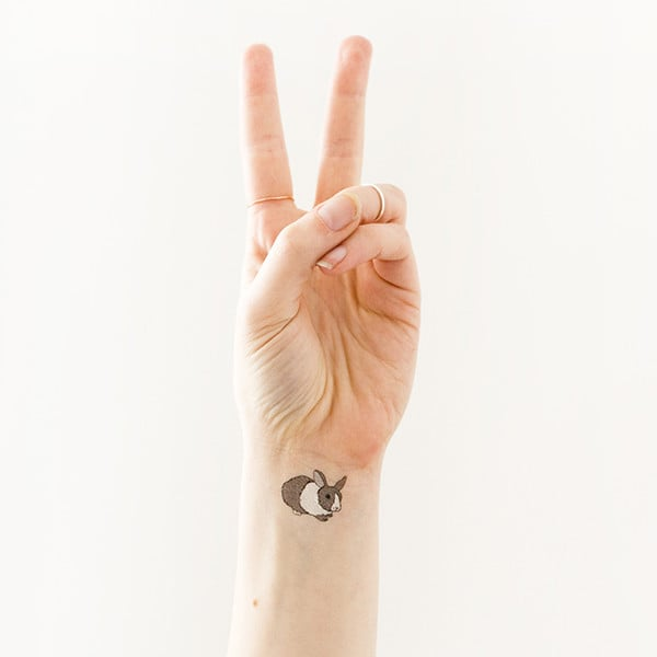 TATTLY tattoo sticker 02